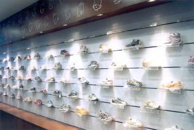 目前正在整顿,正在组织高级人员进行设计,开发,管理,并立足现有的童鞋